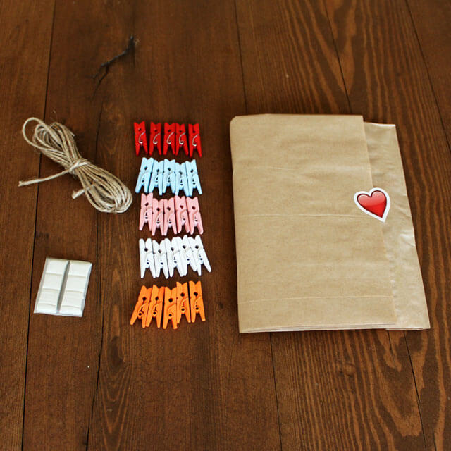 Colored Clothespins Kit