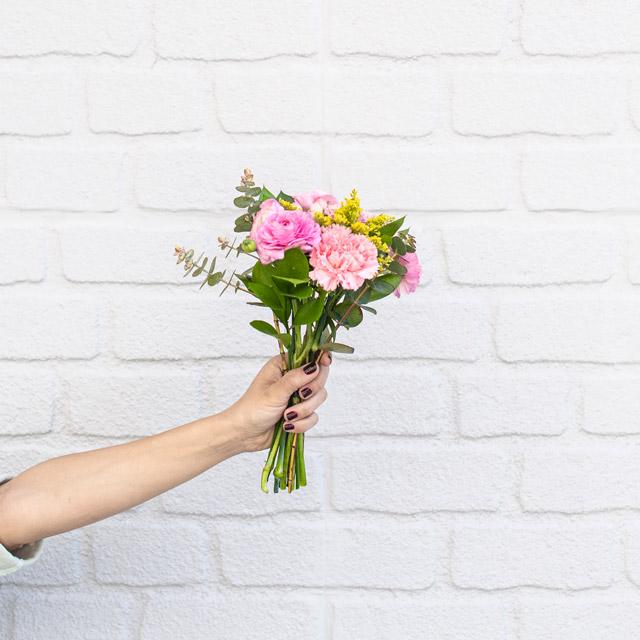 Pink Dream - Erengüllü Karanfil Buketi