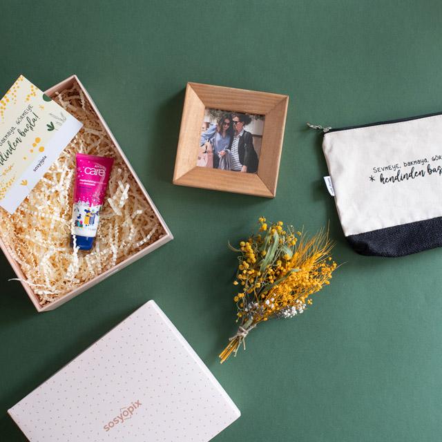 Mimosa Gift Box