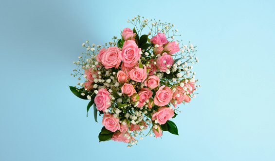 Pink Arbor Rose and Chips Bouquet