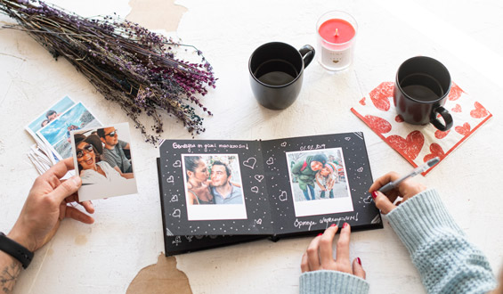 Photo Scrapbook with Retro Prints - 20 Pcs.