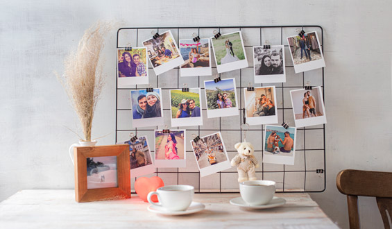 Metal Photo Grid with Retro Prints - 20 Pcs.